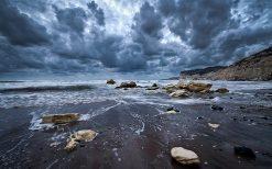 تابلو منظره زیبای ساحل ابری